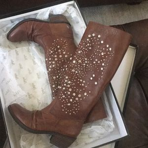 Leather Boots by Reba